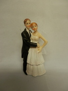 bride & groom series A is a traditional figurine 9cm tall removable veil.