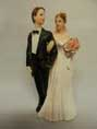 A TRADITIONAL BRIDE AND GROOM FIGURINE 13 CM TALL STYLE G